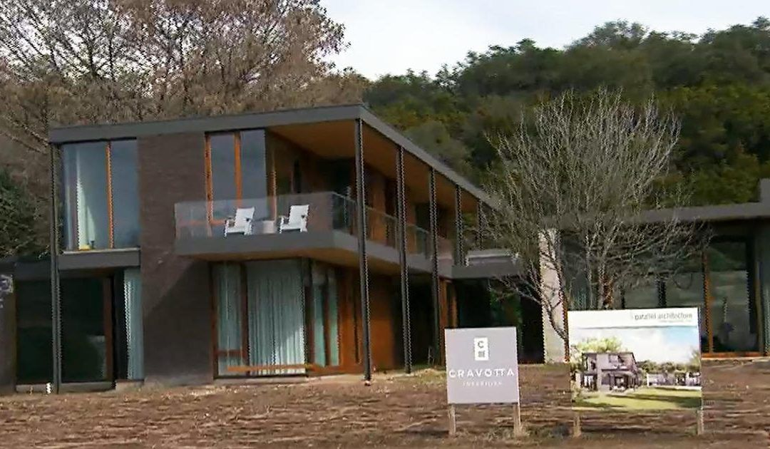 Austin experiences growing pains as one of America's hottest real estate markets – CBS News